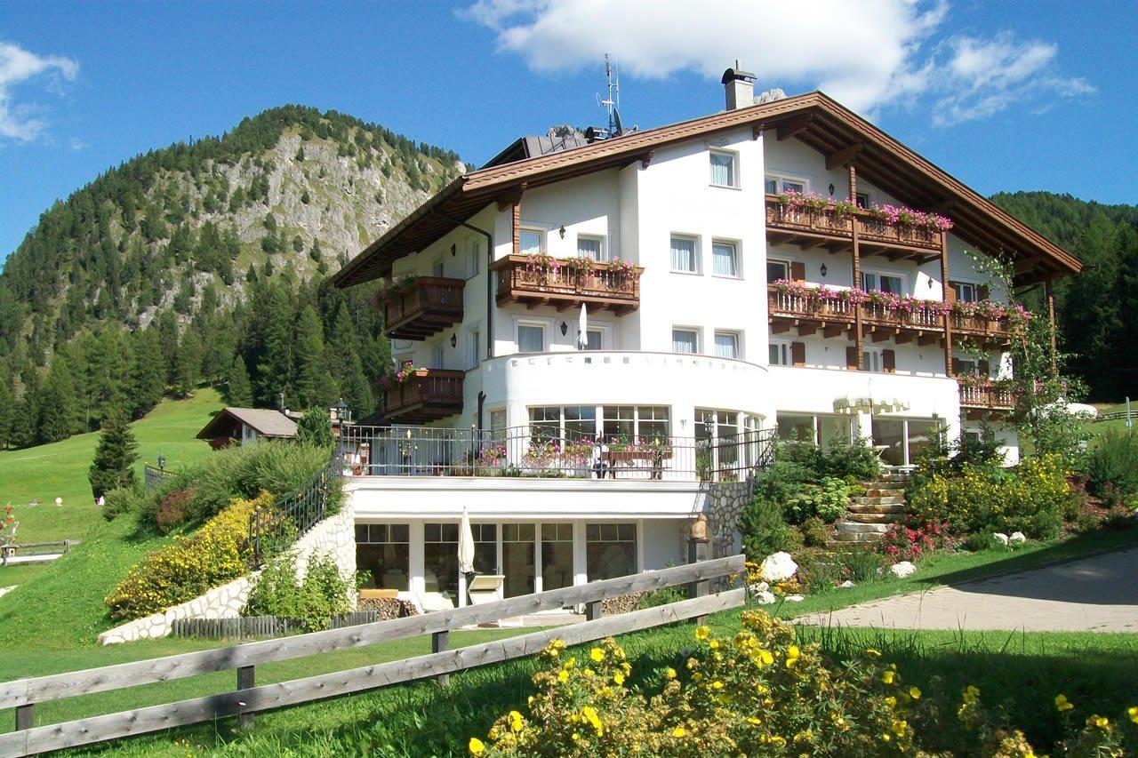 Garni Hotel Villa Erna - Selva Val Gardena