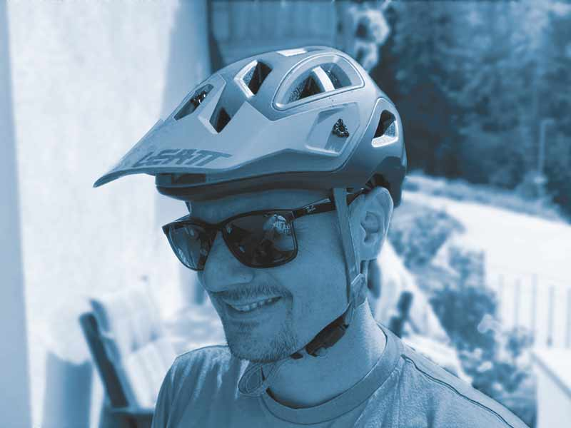 Bicycle mechanic simo - Intersport bike academy