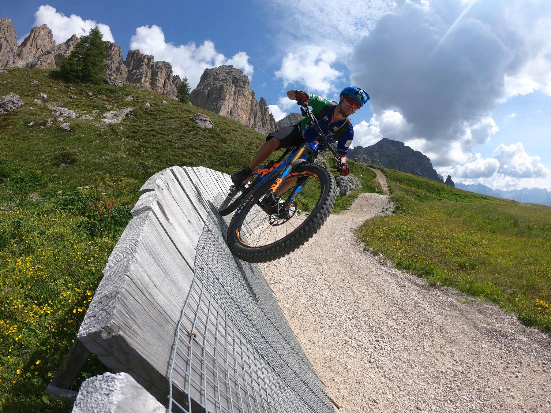 paraboliche in mountainbike in val gardena