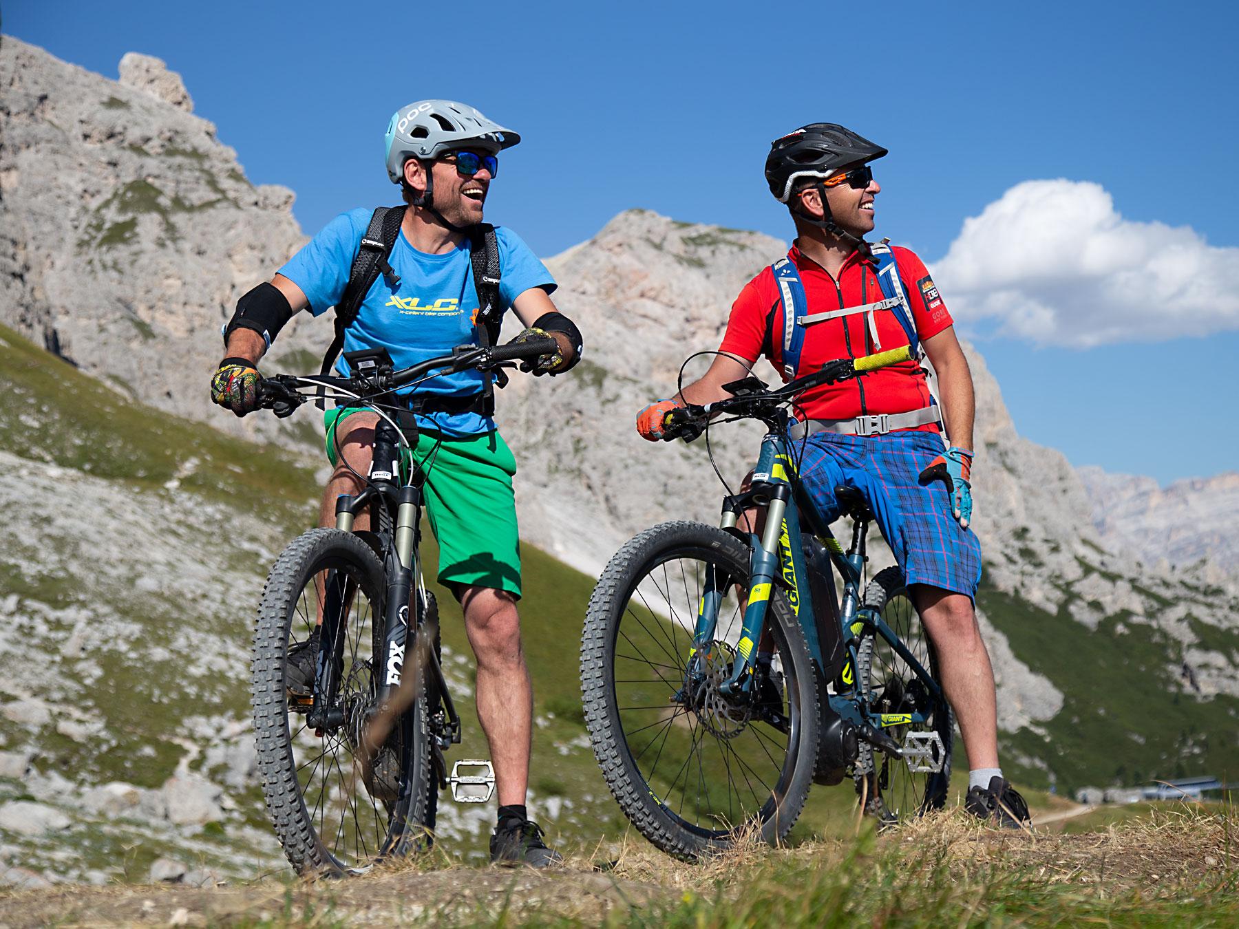 in mountain bike in montagna - dolomiti