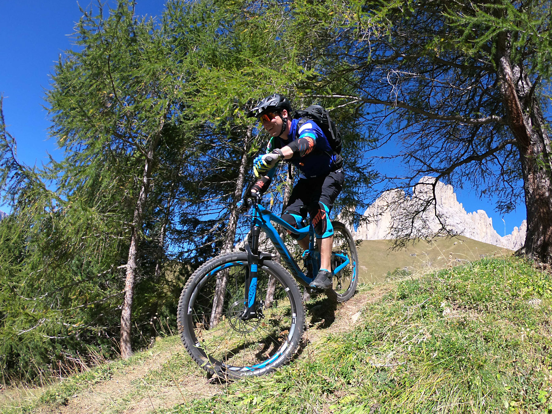 downhill with the mtb - Passo Sella - dolomiti